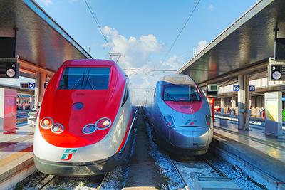 Mit Zug und Bahn auf Schienen unterwegs